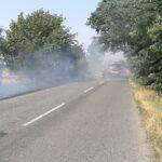 požiar pri ceste pri Lábe